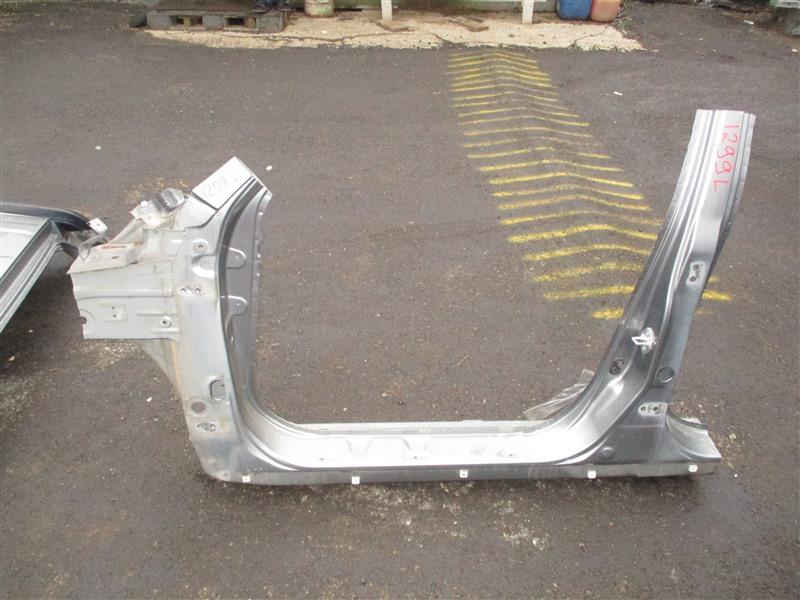 Порог кузова Honda Crv RD7 K24A 2005 левый серый nh691m 1299