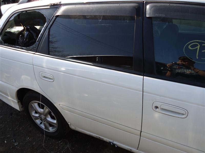 Дверь Toyota Caldina ST215 3S-GTE 2000 задняя правая белый перламутр 051 1313