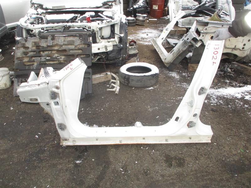 Порог кузова Honda Accord CL1 H22A 2001 левый белый nh624p 1302