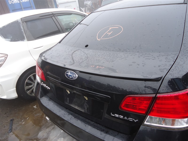Крышка багажника Subaru Legacy BM9 EJ253 2009 черный d4s 1316