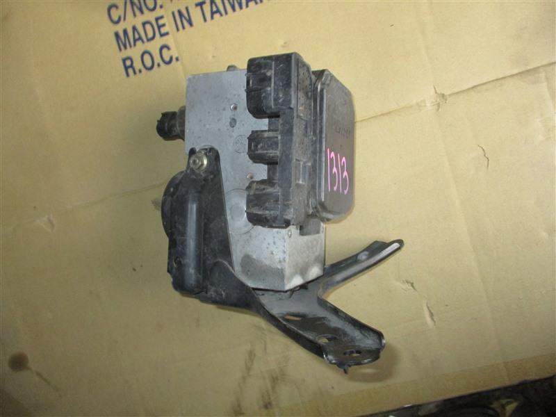 Блок abs Toyota Caldina ST215 3S-GTE 2000 1313
