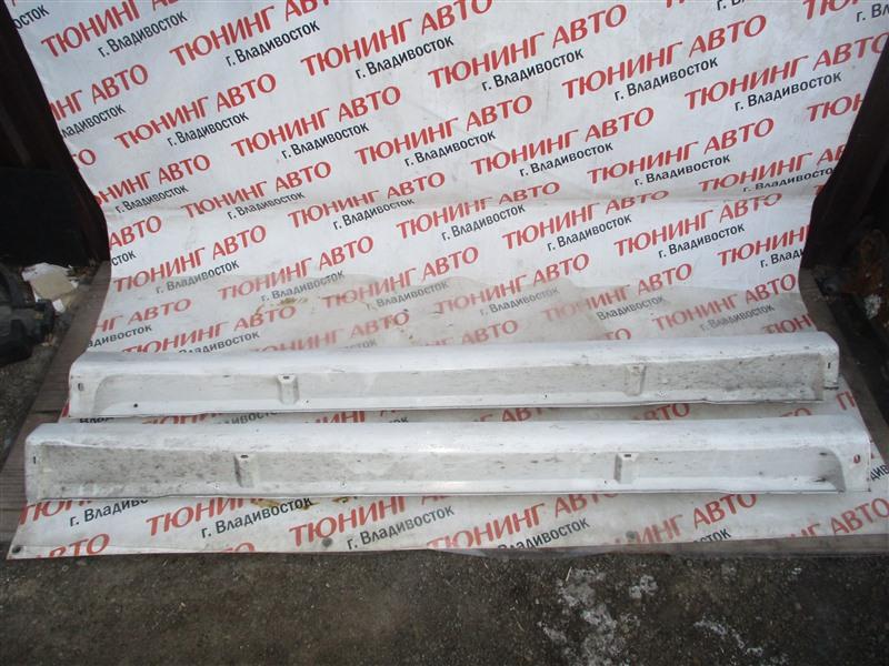 Порог Mitsubishi Outlander GG2W 4B11 2013 белый w13 1318