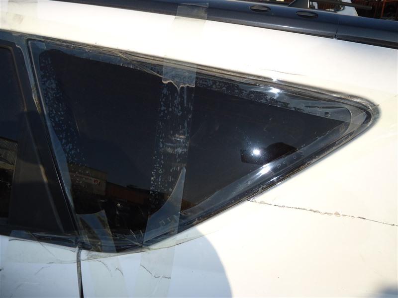 Стекло собачника Toyota Caldina ST246 3S-GTE 2002 левое 1320