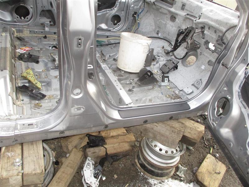 Порог кузова Honda Crv RE4 K24A 2006 правый серебро nh711m 1322