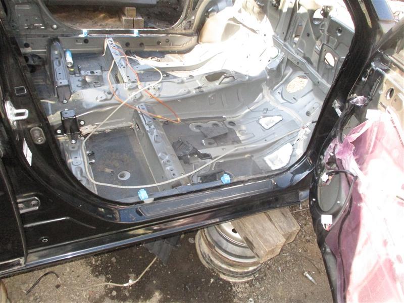 Порог кузова Toyota Corolla Fielder ZRE162 2ZR-FAE 2012 правый черный 209 1325
