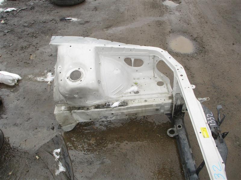 Лонжерон Toyota Cresta JZX93 1JZ-GE 1996 левый белый перламутр 046 1332