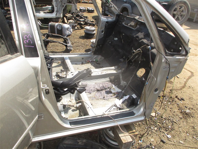 Порог кузова Toyota Corolla Spacio ZZE124 1ZZ-FE 2002 правый серый 1d9 1331