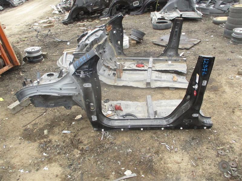 Порог кузова Honda Crv RM4 K24A 2012 левый черный nh812p 1297