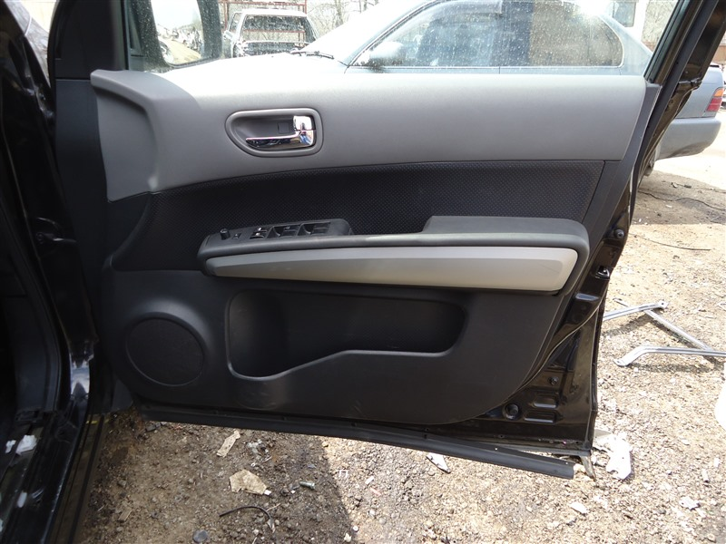 Обшивка дверей Nissan X-Trail TNT31 QR25DE 2008 1335