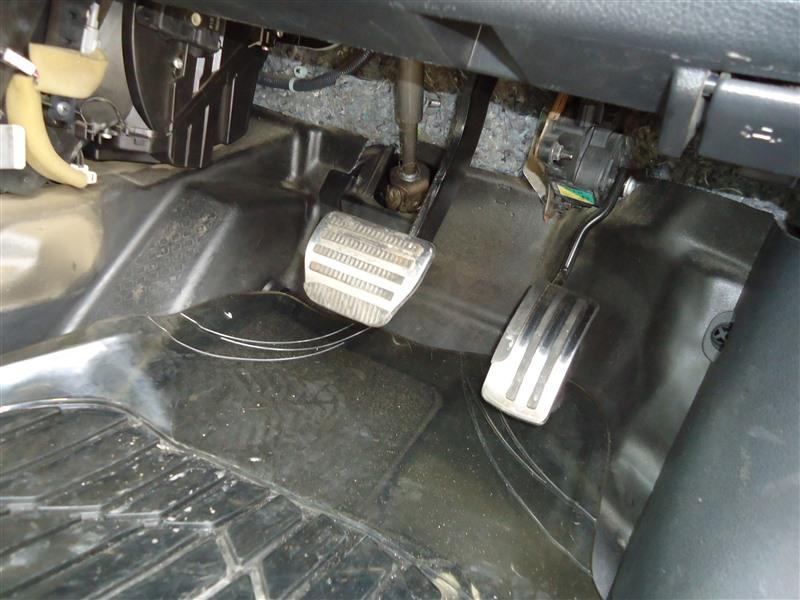 Педали Nissan X-Trail TNT31 QR25DE 2008 1335