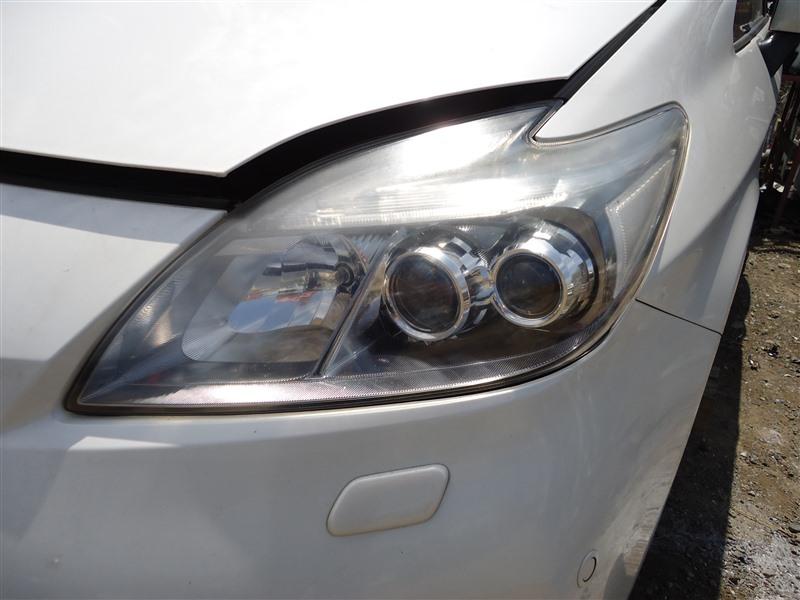 Фара Toyota Prius ZVW30 2ZR-FXE 2013 левая 4749 1337
