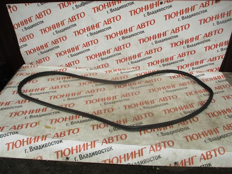Уплотнительная резинка багажника Honda Crv RM4 K24A 2012 1336