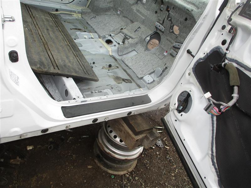 Порог кузова Honda Crv RM4 K24A 2012 правый белый nh788p 1336
