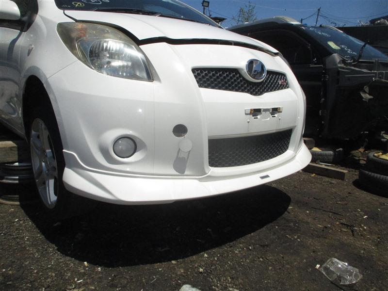 Бампер Toyota Vitz NCP91 1NZ-FE 2005 передний белый 068 1338