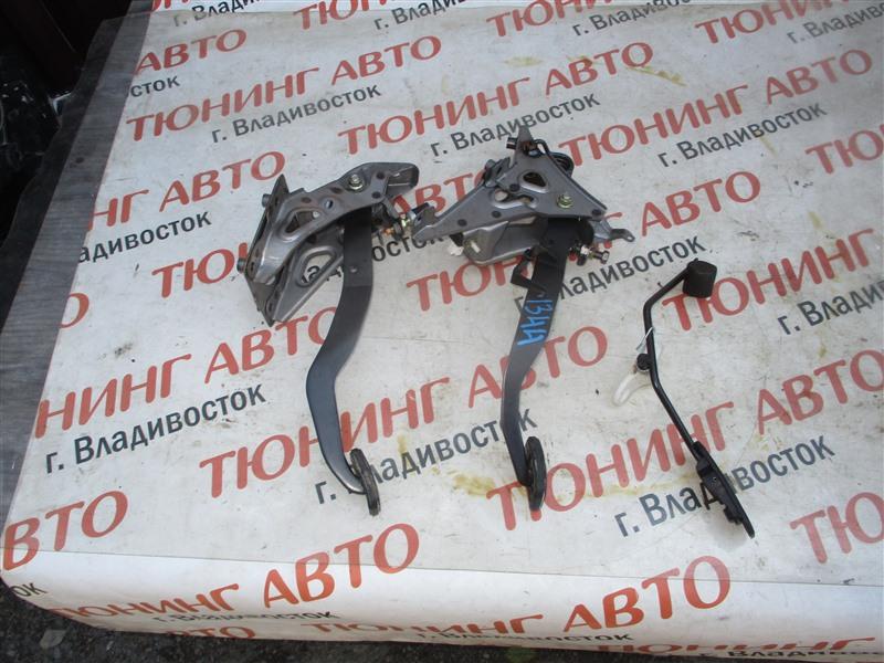 Педали Toyota Corolla Fielder ZZE124 2ZZ-GE 2005 1344