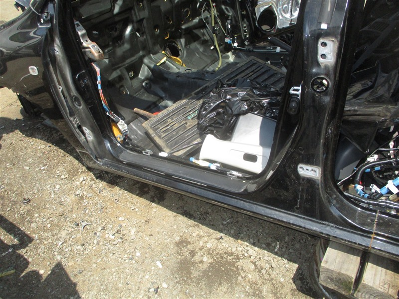 Порог кузова Toyota Corolla Fielder ZZE124 2ZZ-GE 2005 левый черное 209 1344