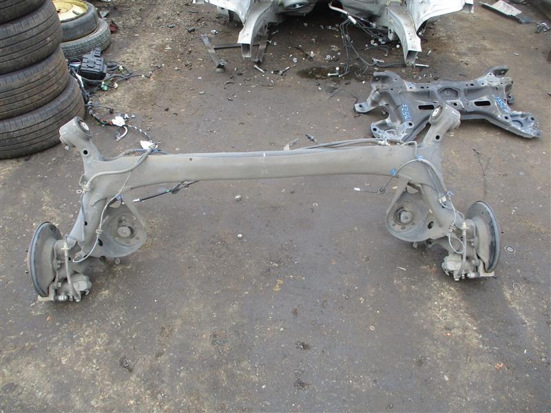 Балка подвески Honda Fit GE8 L15A 2009 задняя 1352