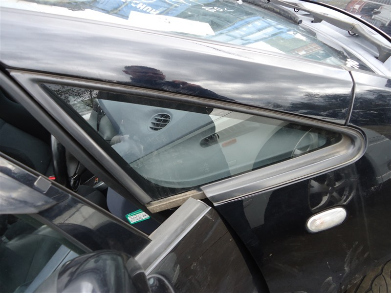Форточка кузова Mitsubishi Colt Plus Z27WG 4G15T 2006 передняя правая 1358