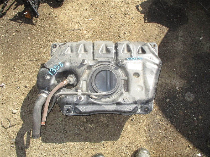 Бензобак Toyota Vitz NCP91 1NZ-FE 2009 1356