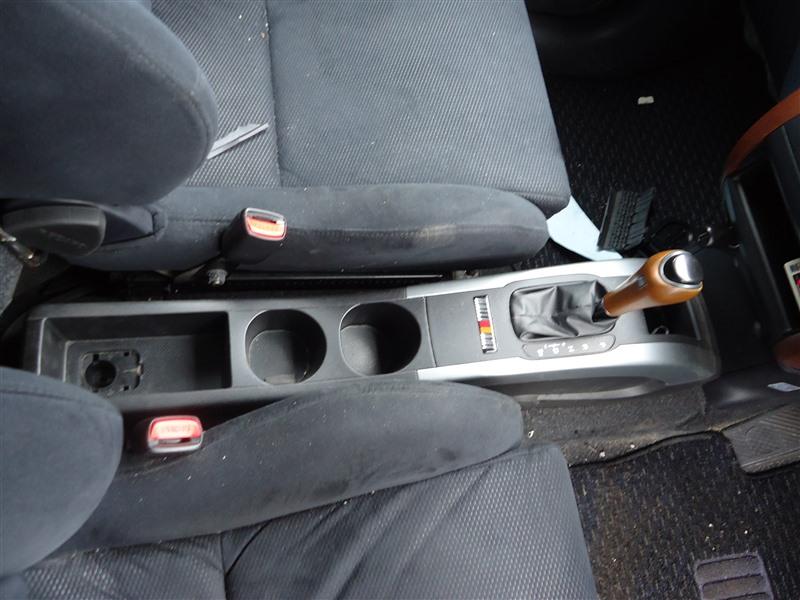 Консоль между сидений Mitsubishi Colt Plus Z27WG 4G15T 2006 1358