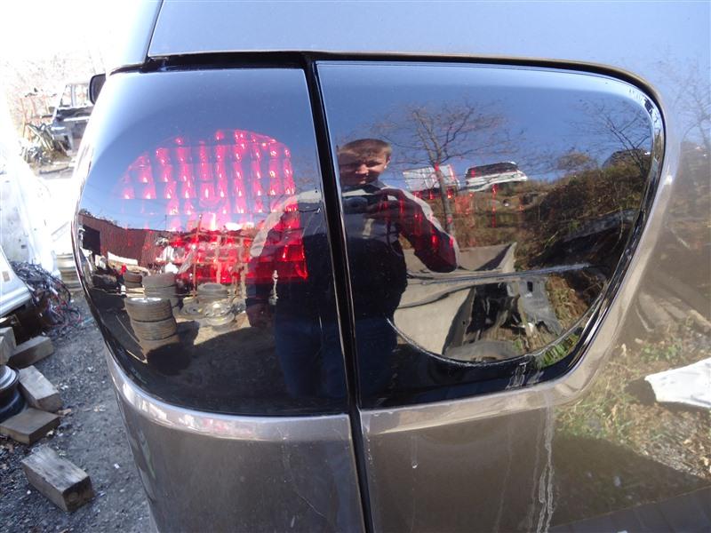 Стоп-сигнал Toyota Sequoia USK65 3UR-FE 2009 задний правый 1364