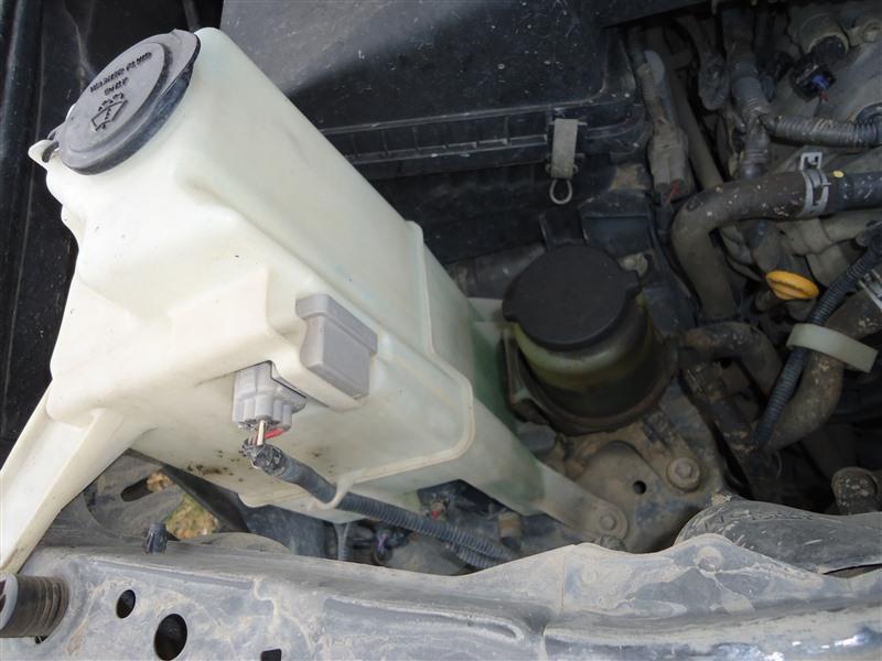 Бачок омывателя Toyota Sequoia USK65 3UR-FE 2009 1364