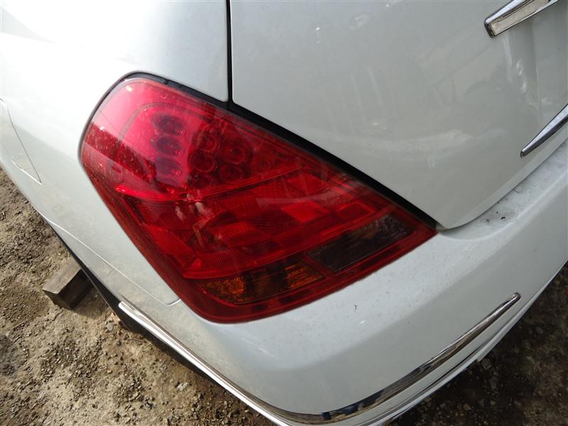Стоп-сигнал Nissan Teana J31 VQ23DE 2006 левый d033 1360