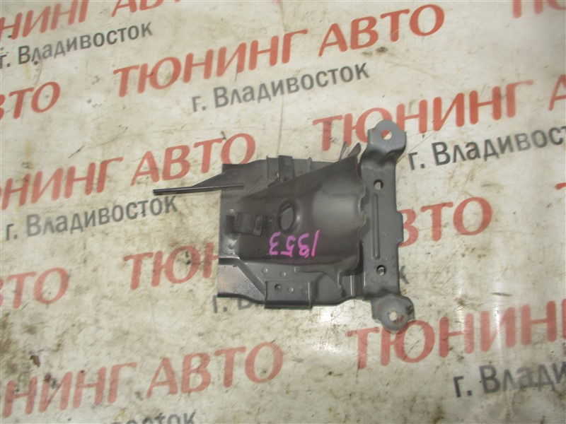 Подставка под аккумулятор Honda Stepwgn RF5 K20A 2005 1353