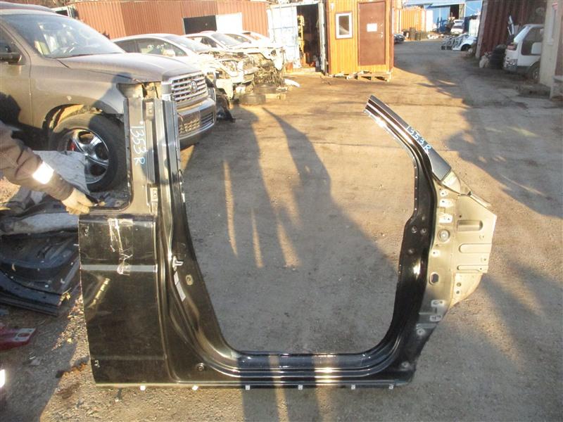 Порог Honda Stepwgn RF3 K20A 2005 правый черный b92p 1353