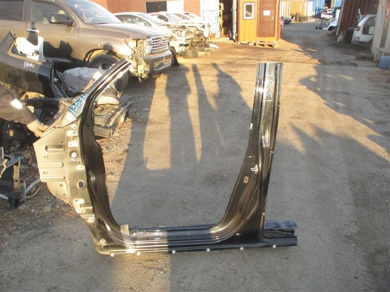 Порог кузова Honda Stepwgn RF3 K20A 2005 левый черный b92p 1353