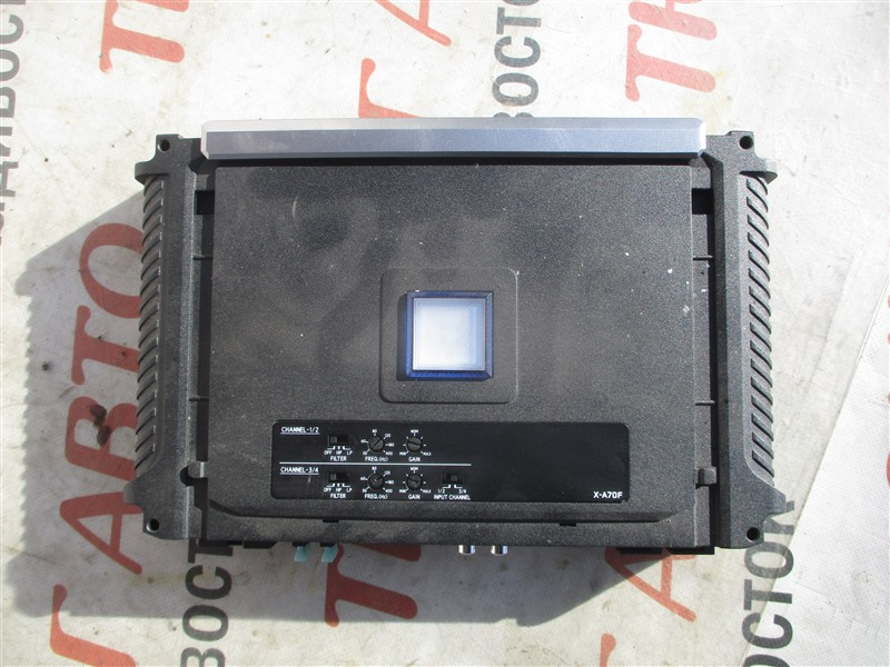 Усилитель звука Toyota Sequoia USK65 3UR-FE 2009 x-a70f 1364т