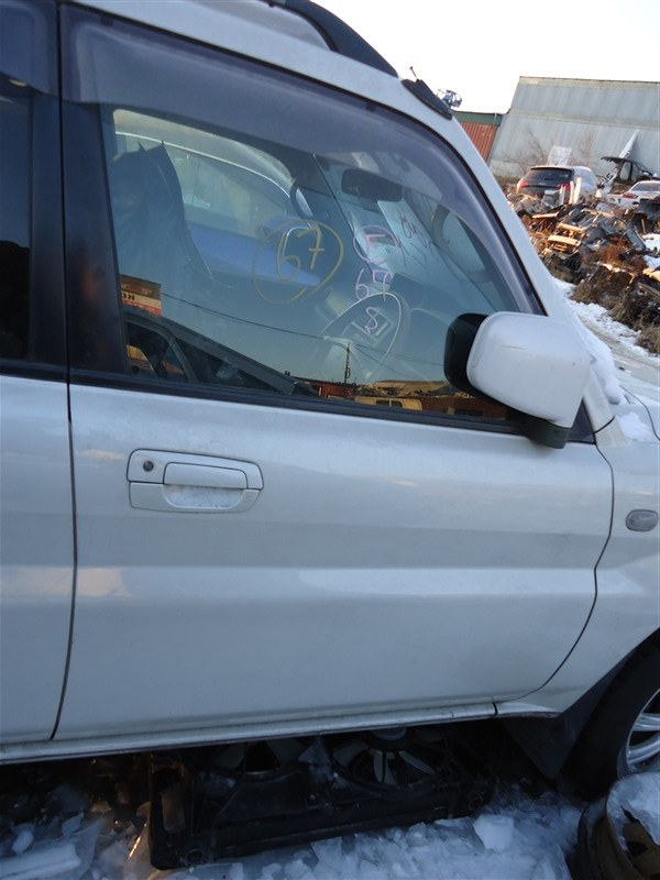 Дверь Mitsubishi Pajero Io H76W 4G93T 2004 передняя правая белый w23 1365