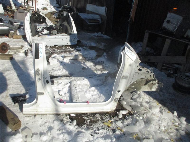 Порог кузова Toyota Vitz NCP91 1NZ-FE 2009 правый белый 068 1359