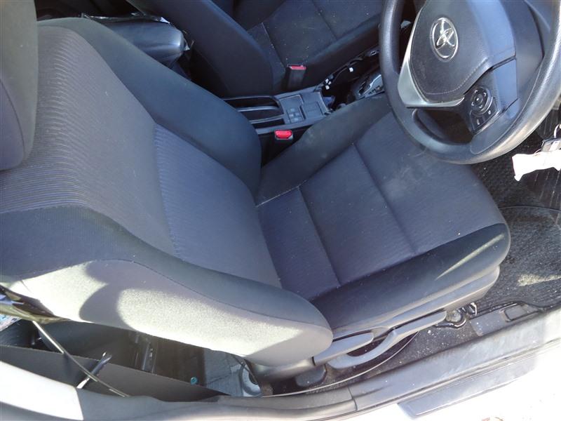 Сидение Toyota Corolla Fielder NKE165 1NZ-FXE 2015 1371