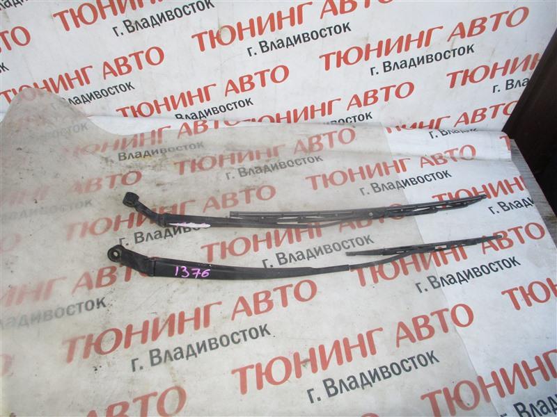 Держатель дворника Toyota Vitz NCP91 1NZ-FE 2009 1376