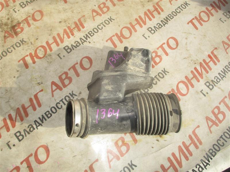 Патрубок воздушн.фильтра Toyota Sequoia USK65 3UR-FE 2009 1364