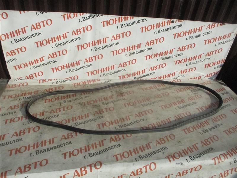 Уплотнительная резинка багажника Honda Stream RN8 R20A 2009 1357