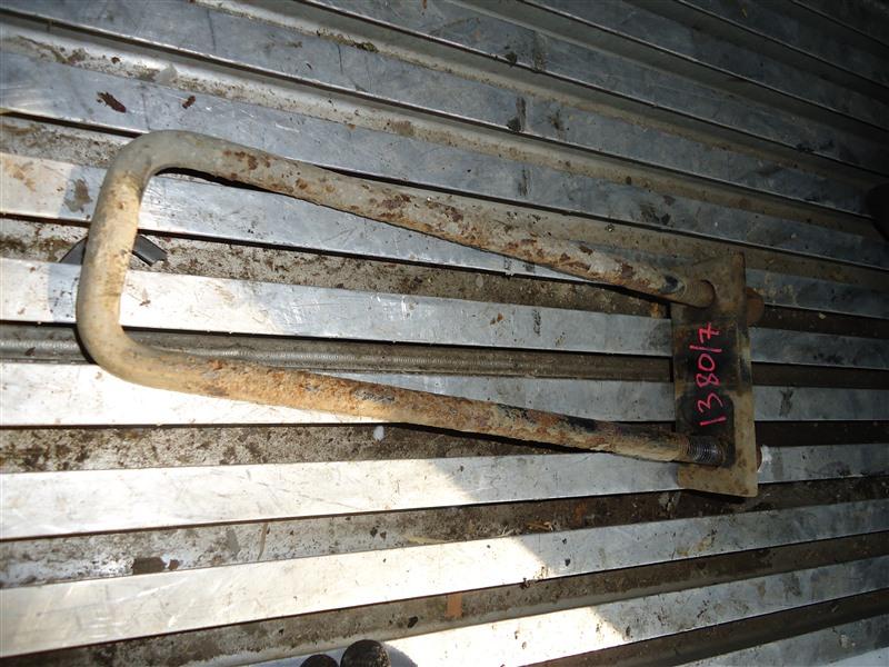 Стремянка рессоры Isuzu Elf NPR85 4JJ1T 2010 1380/7