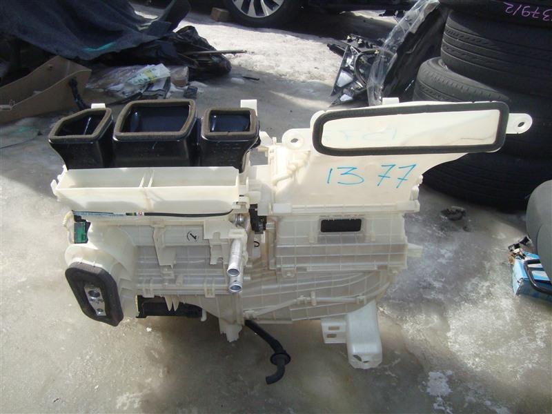 Мотор печки Toyota Corolla Fielder NKE165 1NZ-FXE 2015 1377 87050-52291