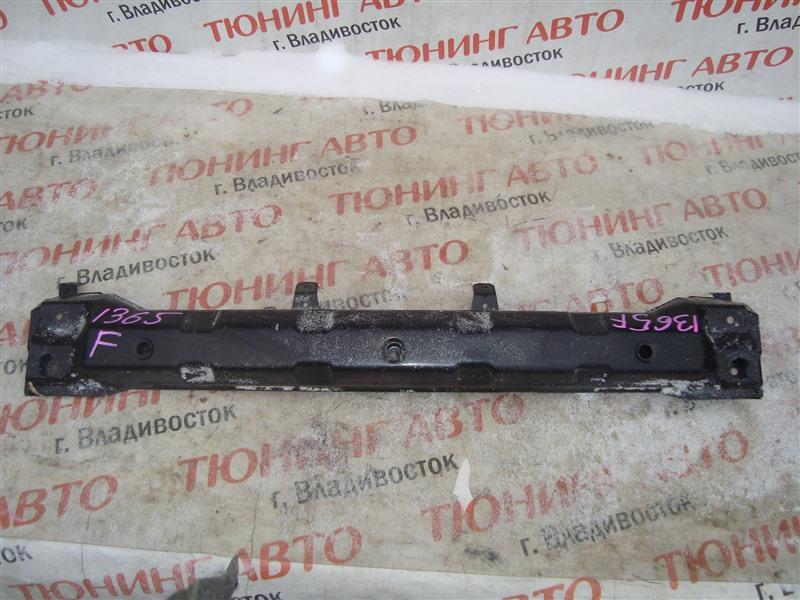 Жесткость бампера Mitsubishi Pajero Io H76W 4G93T 2004 передний белый w23 1365