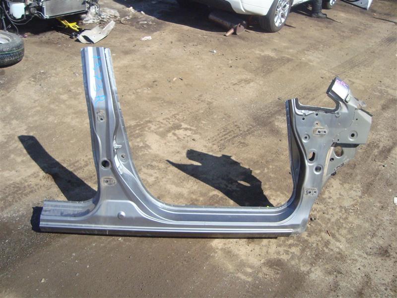 Порог кузова Honda Fit Aria GD6 L15A 2006 правый серый nh691m 1373