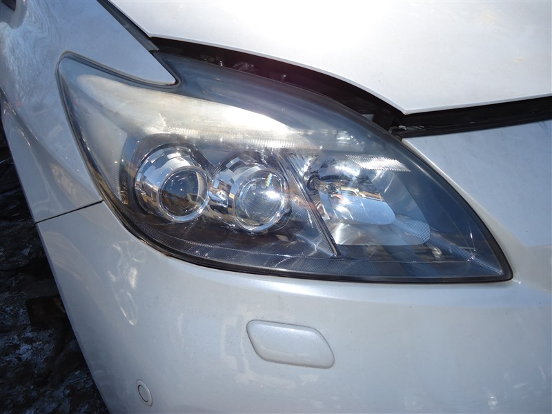 Фара Toyota Prius ZVW30 2ZR-FXE 2012 правая 4749 1388