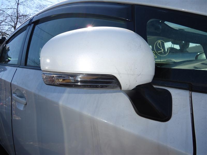 Зеркало Toyota Prius ZVW30 2ZR-FXE 2012 правое 7 koht белый перламутр 070 1388