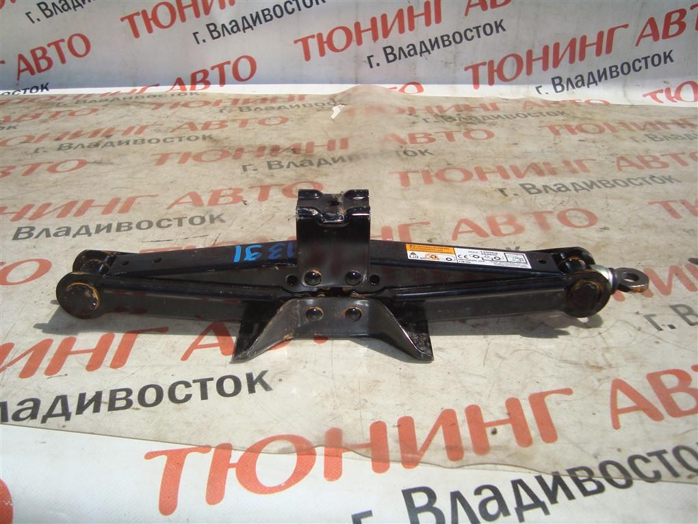 Домкрат Toyota Vitz NCP91 1NZ-FE 2009 1391
