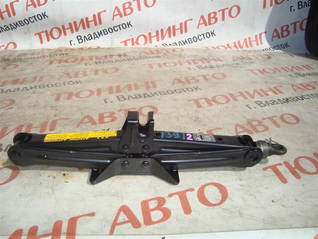 Домкрат Toyota Vitz NCP91 1NZ-FE 2009 1391/2