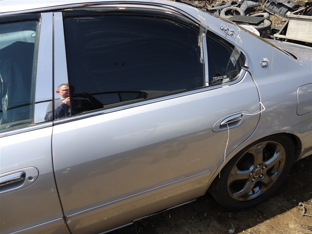 Дверь Honda Inspire UA5 J32A 2001 задняя левая серебро nh623m 1394