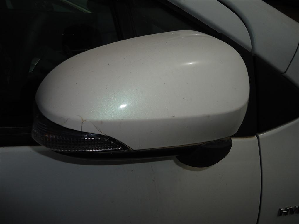 Зеркало Toyota Aqua NHP10 1NZ-FXE 2015 переднее правое 8 koht белый 082 1396