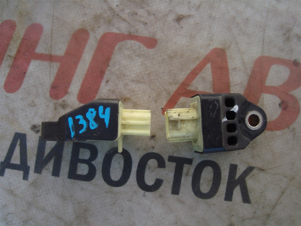 Датчик airbag Subaru Forester SJG FA20 2013 1384 98231sg000