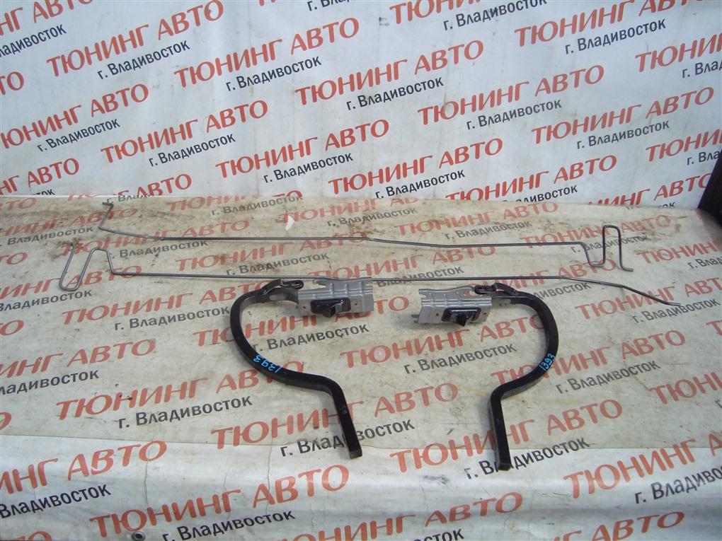 Петля крышки багажника Toyota Camry AVV50 2AR-FXE 2012 правая черный 218 1393