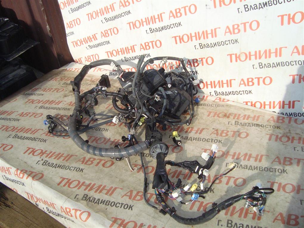 Коса под капот Toyota Aqua NHP10 1NZ-FXE 2015 1396
